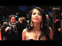 Video thumbnail for youtube video Aishwarya Rai mit Pink Panther II auf der Berlinale - Bollywood & Indien Forum //